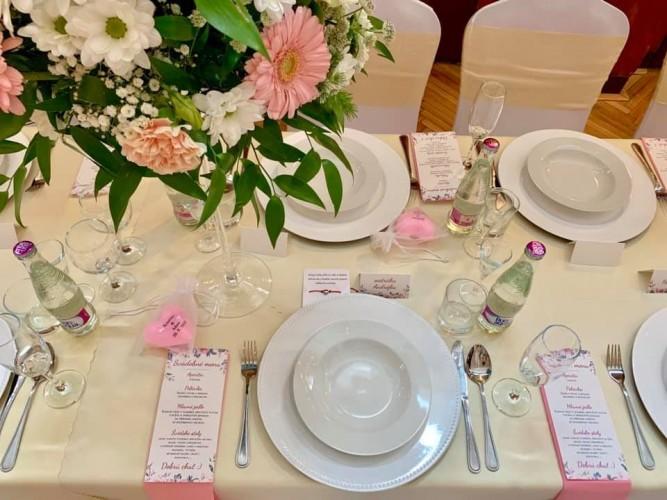 smotanovo-ružová svadba